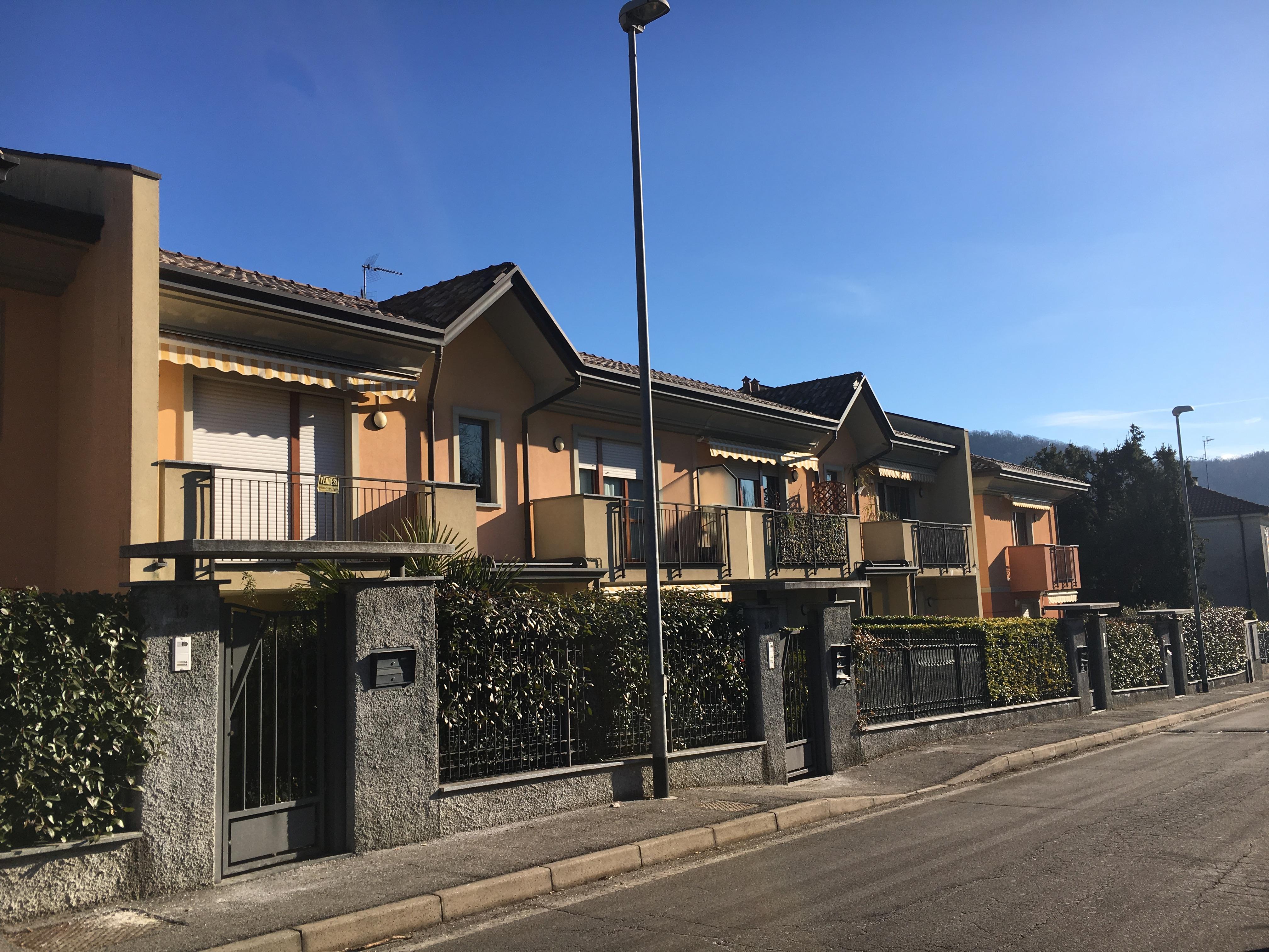 Appartamento a Laveno Mombello