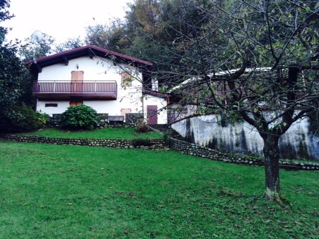 Villa a Brezzo di Bedero