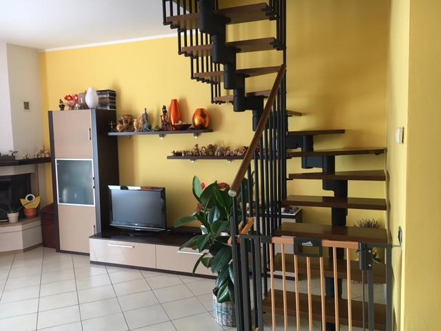 Appartamento a Brezzo di Bedero